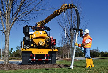 remote actuated hydraulic boom